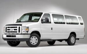 2010 Ford E-Series Wagon Photos